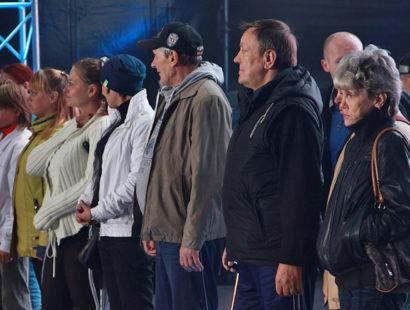 Бездомные рассказали о себе со сцены на Дворцовой